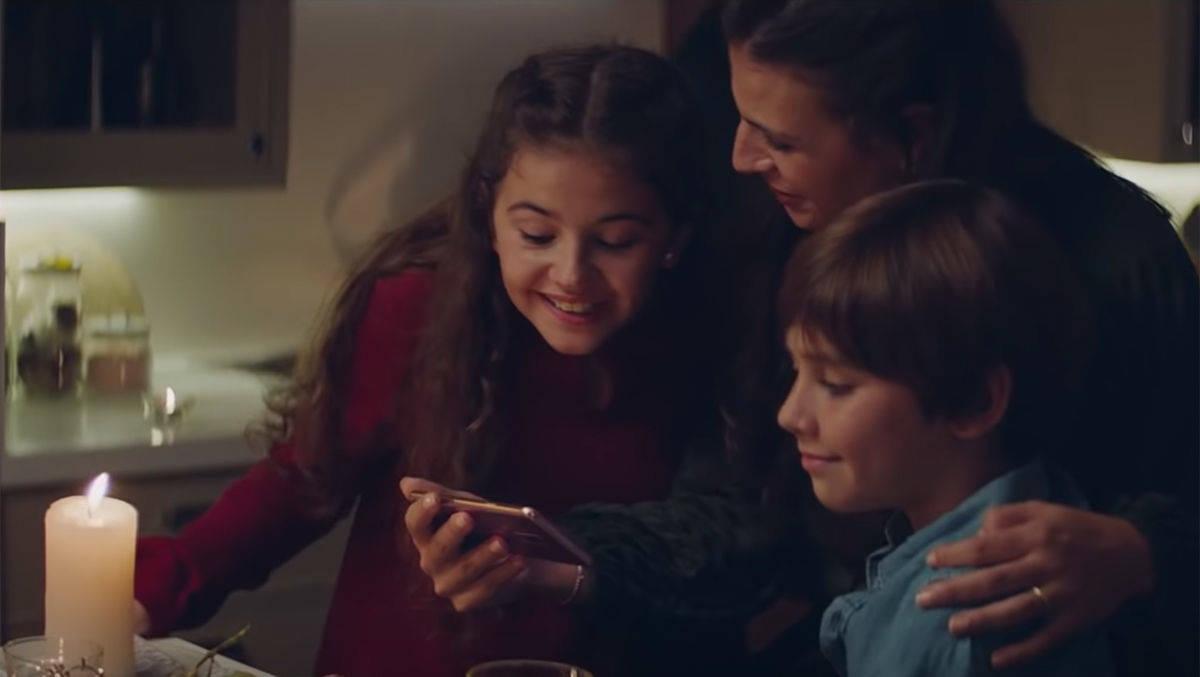 Weihnachtsgrüße Smartphone.Jeder Dritte Reduziert Smartphone Nutzung An Weihnachten W V