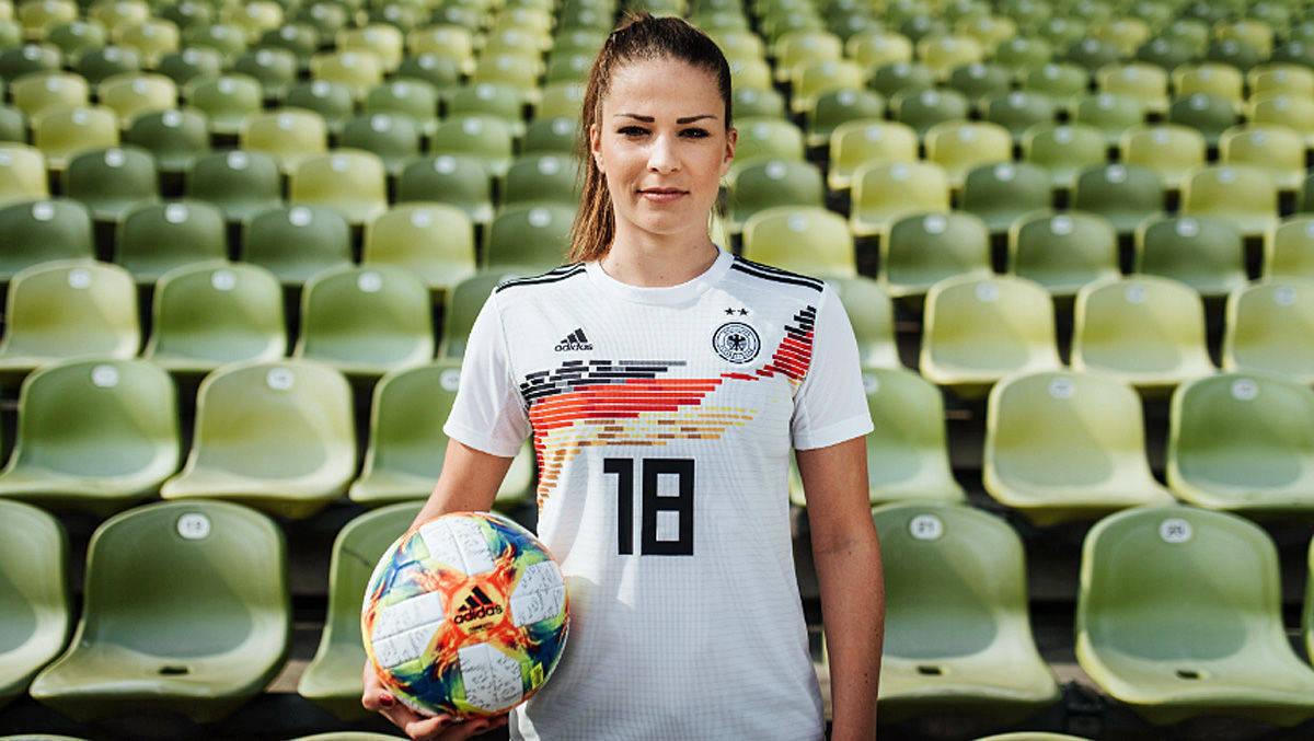 Mit diesen Trikots spielt Deutschland bei der Frauenfußball