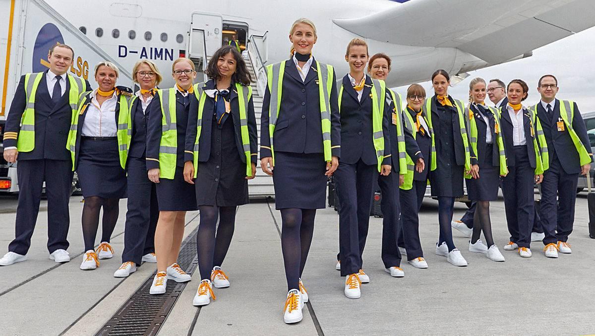 Lufthansa amp;v Sneaker Dem Steckt Das Hinter DayW SpVLzqUMG